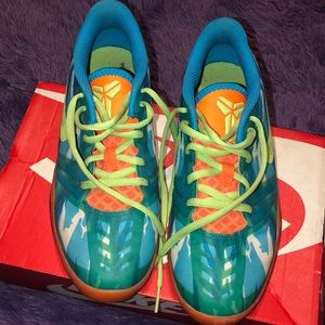 KDs athletic shoes for kids 5